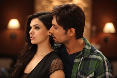 Murder 3 - Sara Loren and Randeep Hooda
